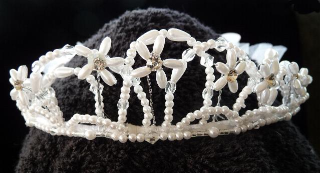 beaded-tiara-and-veil