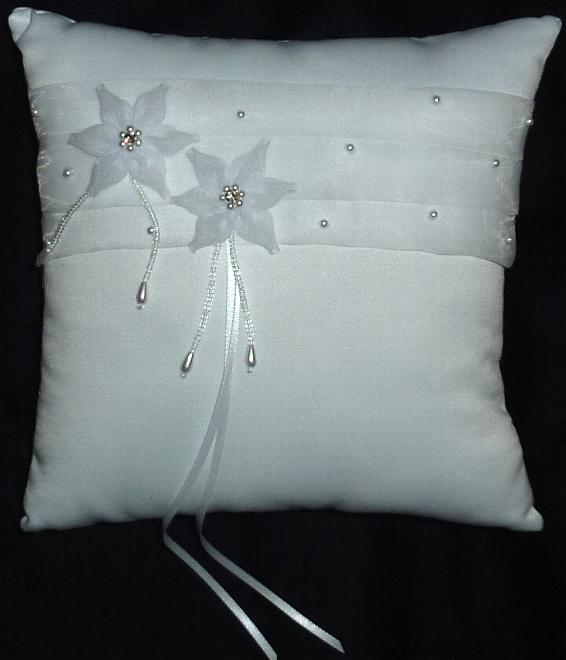 elegant-ring-bearer-pillow