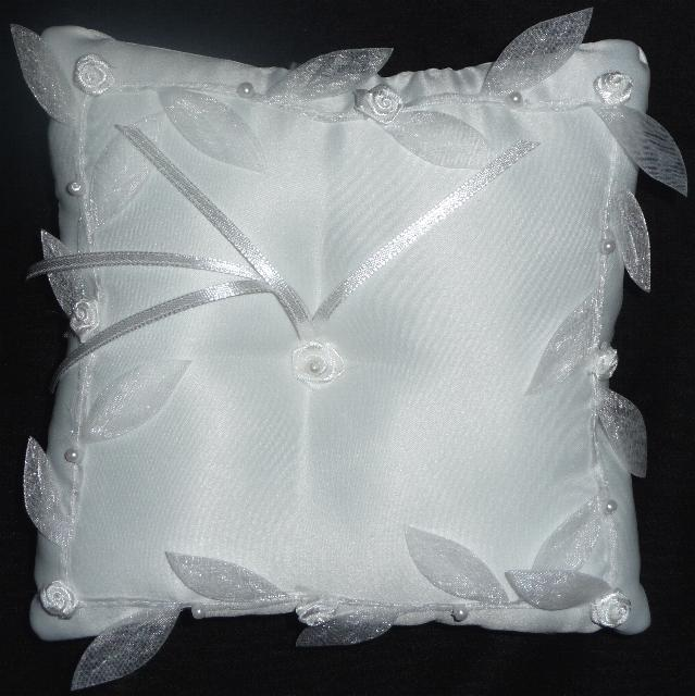 ring-bearer-pillow